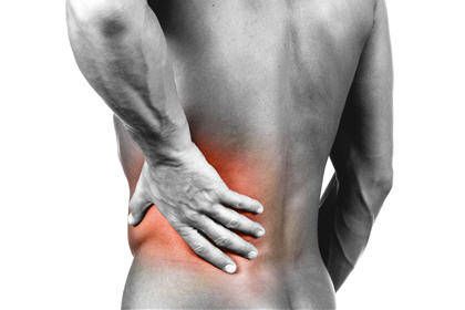 突然腰背痛怎麼辦? 一文拆解急性vs慢性成因