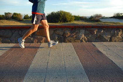 半年備戰 練長跑練肌力