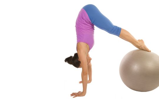 5招健身球 越玩越瘦