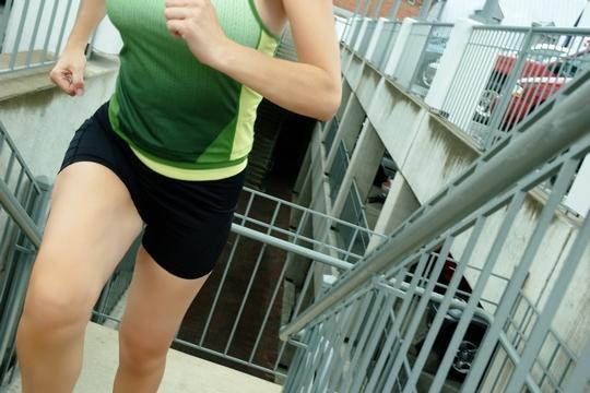 無影腳跑樓梯 征服高樓兼健體