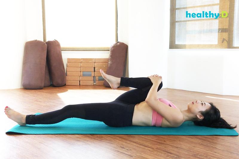 【有片】瑜伽安眠(2):半脊柱扭轉式2