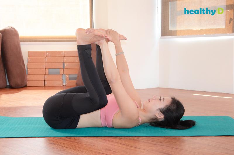【有片】瑜伽安眠(3):快樂嬰兒式3