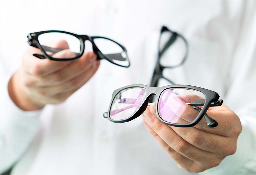 眼鏡幾耐要換?視光師:考慮兩條件
