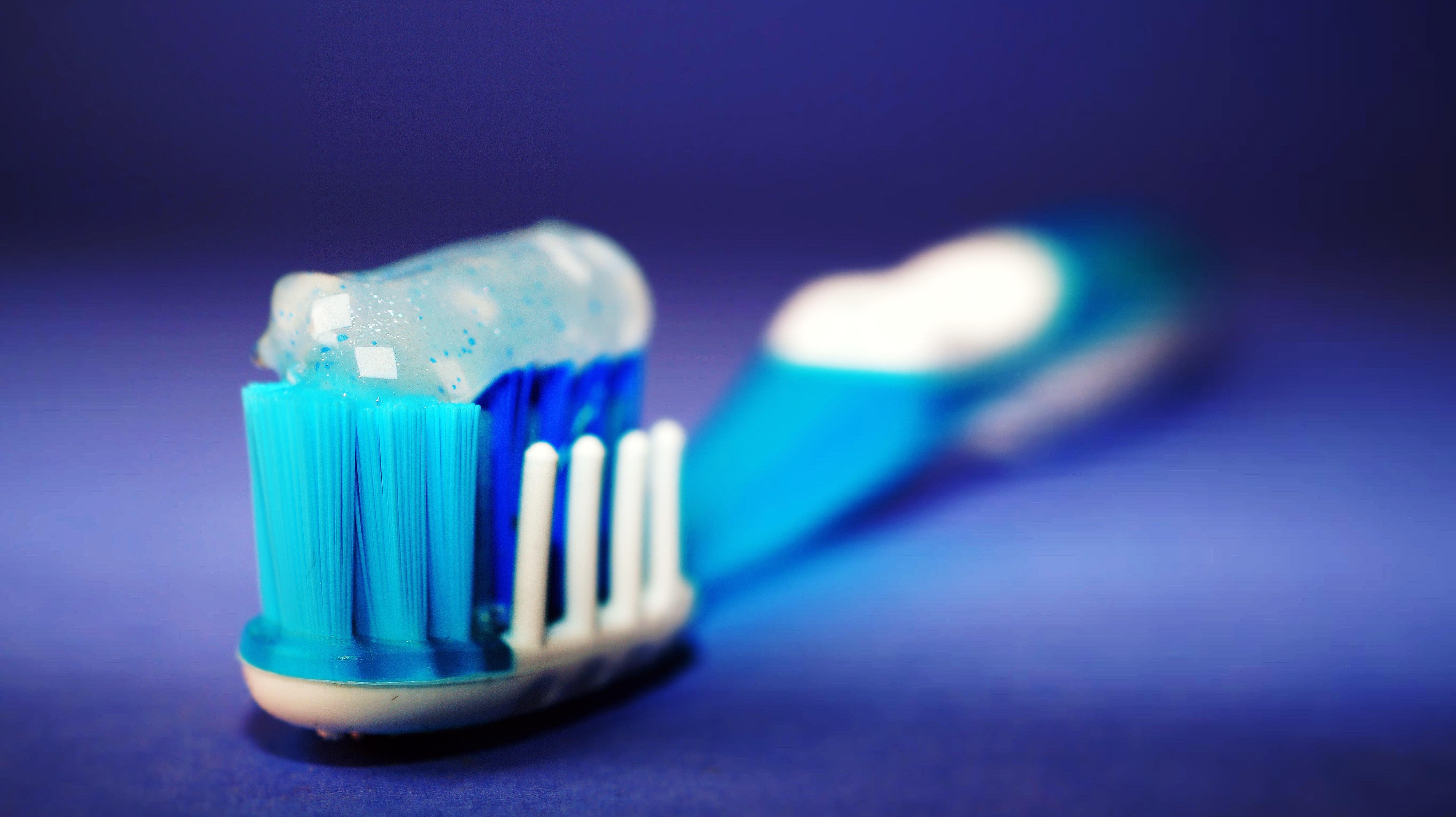 【你又中幾樣?】刷牙常見的8個錯誤習慣