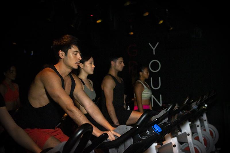 【不止減肥瘦身】踩室內單車發洩減壓 學呼吸練專注力