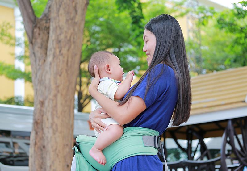 嬰兒趴着睡覺 或是脊椎受損先兆?