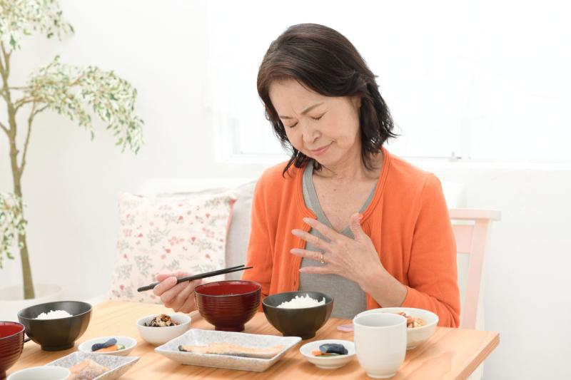 火燒心!究竟是胃氣脹痛或胃酸倒流?