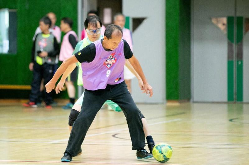 研究證實健步足球有效加強心肺功能 物理治療師示範簡單家居健足招式