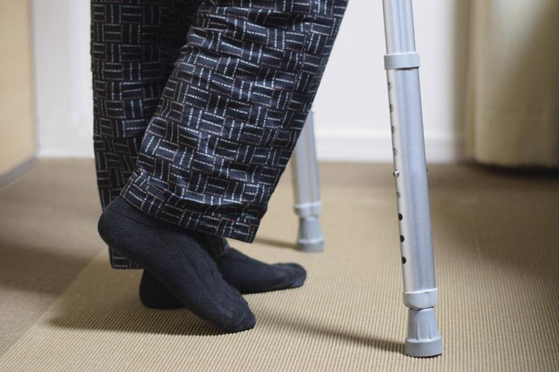 【糖尿病病徵】手腳掌麻痺、腳踩實地感覺軟綿綿?小心患上糖尿病併發症