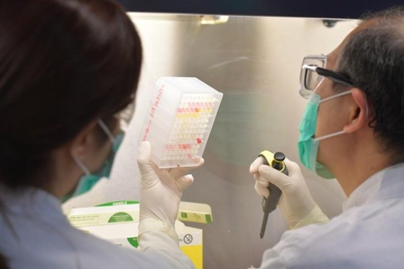 【新冠病毒】醫管局免費派發深喉唾液樣本瓶 指定地點增加至31間