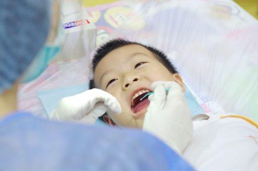 兒童蛀牙治療-氟化氨銀-1