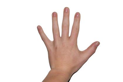 長用電腦致頸椎錯位 OL手痛手痹