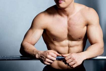 【健身動作】健身前的5個基本拉筋動作