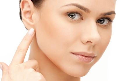 反骨國字面  可能是顳下顎關節病變