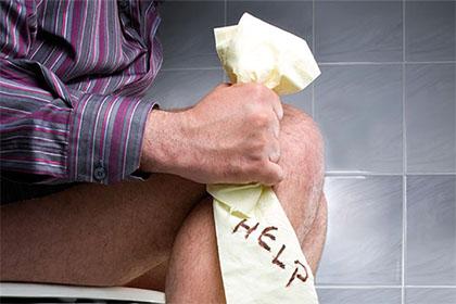去廁所玩手機 便秘、痔瘡就係咁嚟
