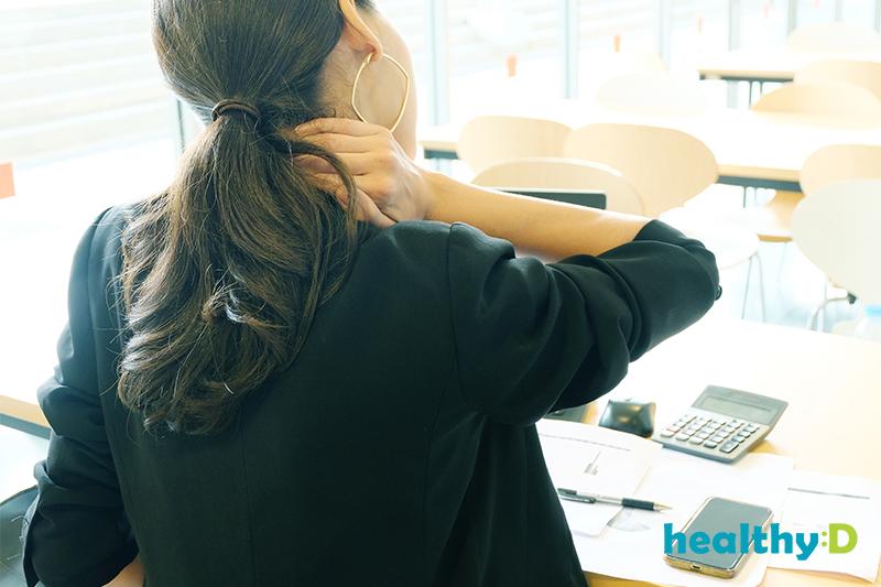 【有片】KO肩頸痛(1):放鬆頸側肌群