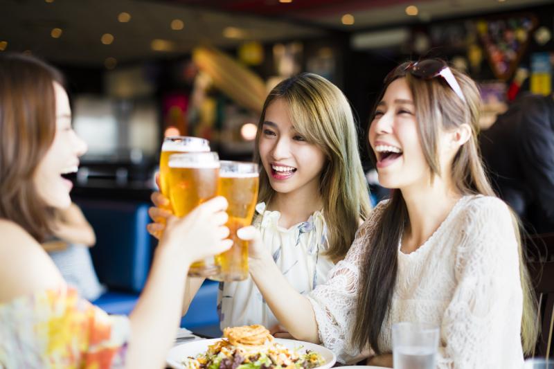 研究:老人飲酒減心血管疾病死亡率 年輕人反而增死亡率?!