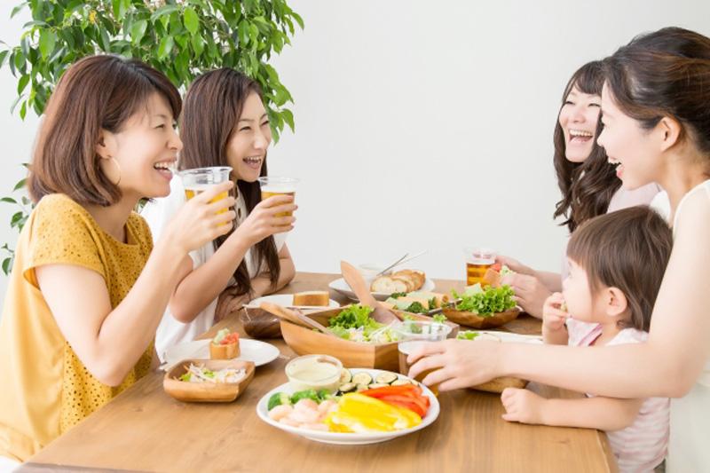 【胃酸倒流處理】暴飲暴食易致胃酸倒流? 醫生教你簡單紓緩4招