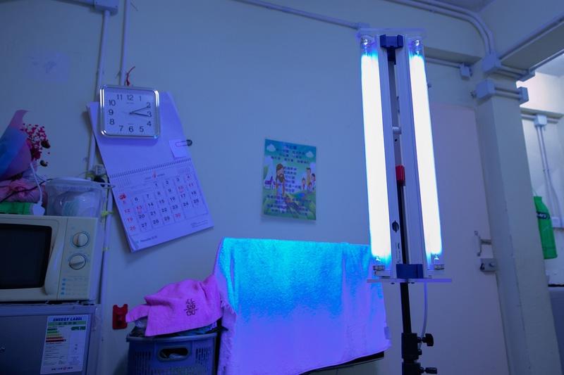 【新冠肺炎】嶺南大學自製紫外光燈 為1000個劏房戶提供家居消毒防疫