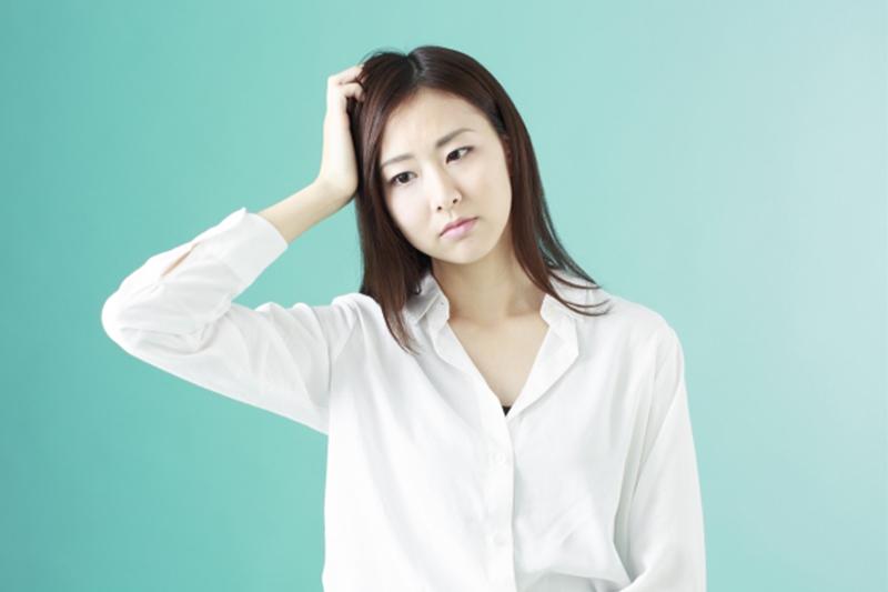 中大研究證實緊張時無意識重複抓頭或咬唇有助減壓