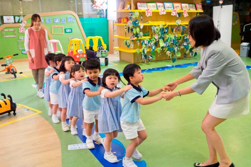 【職場健康】中大調查:近半受訪幼教職員新冠疫情停課令工作轉變致「情緒耗竭」