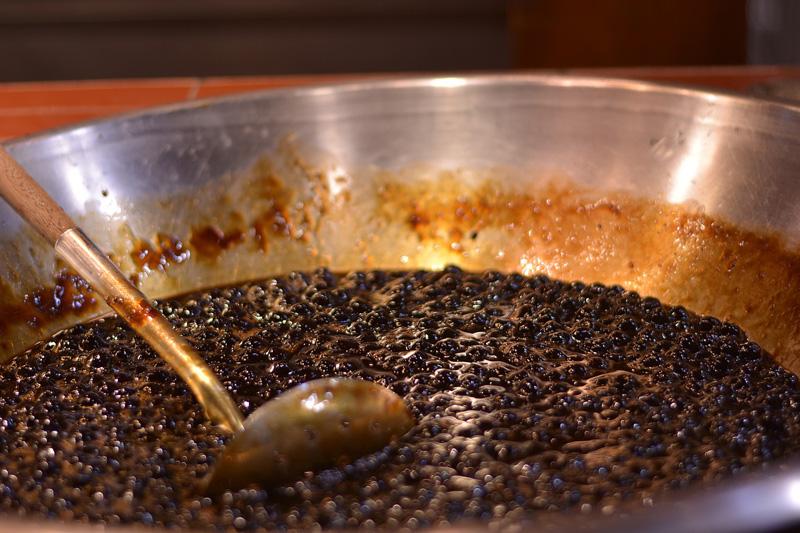 台媒踢爆黑糖珍珠鮮奶茶或添加焦糖色素 致癌風險增