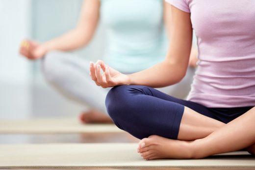 伸展緊繃肌肉|必學3組瑜珈動作示範圖解 有效紓緩腰痠背痛