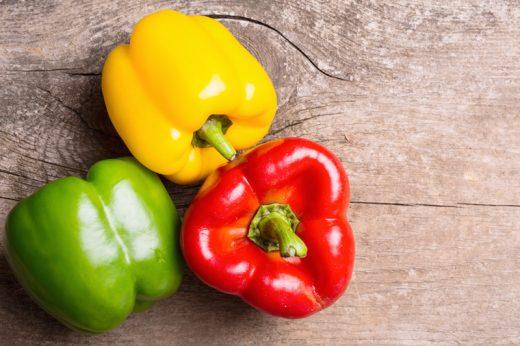 三色椒有何不同?拆解青椒、黃椒、紅椒營養價值及好處(附燈籠椒食譜)