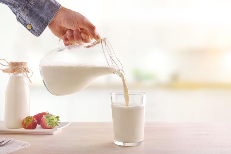 11個牛奶的真相 色胺酸有助入睡 加熱不可逾60度