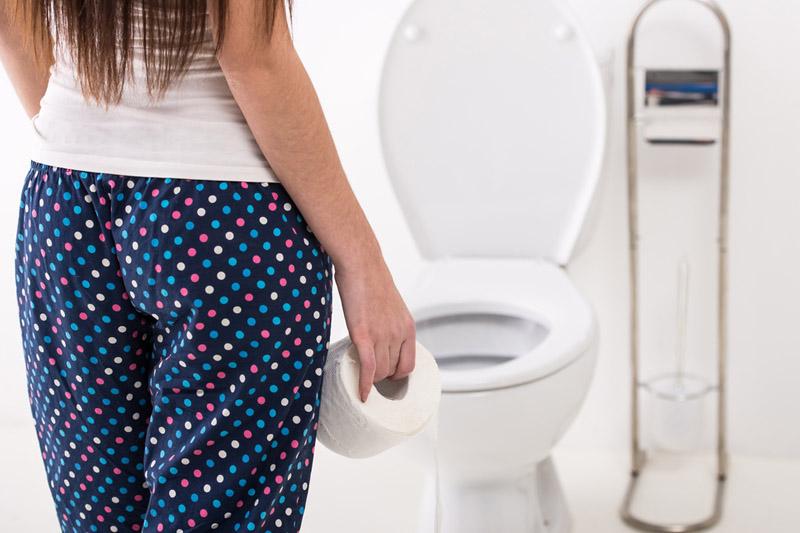 因腸易激一天上六次廁所被解僱 女員工控告亞馬遜歧視 腸易激飲食避免白麵包餅乾