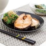香煎三文魚扒配芝麻菠菜