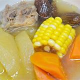 蘋果紅蘿蔔粟米豬骨湯